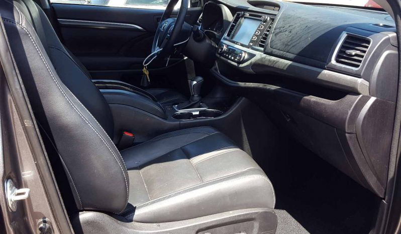 TOYOTA HIGHLANDER SE 2017 full