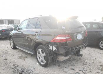 Mercedes-Benz ML 550 2014 full