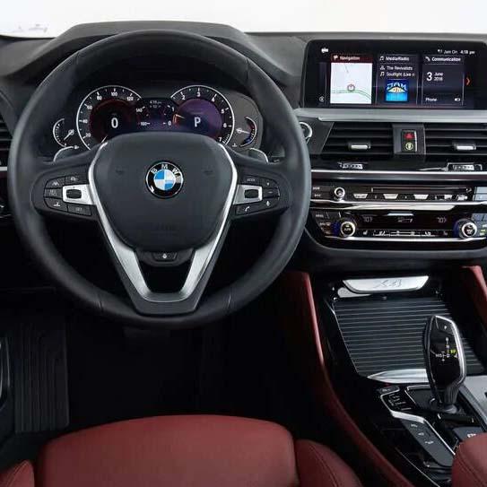 BMW X4 2021 интерьер