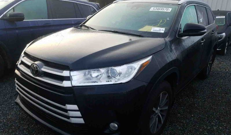 TOYOTA HIGHLANDER SE 2018 full