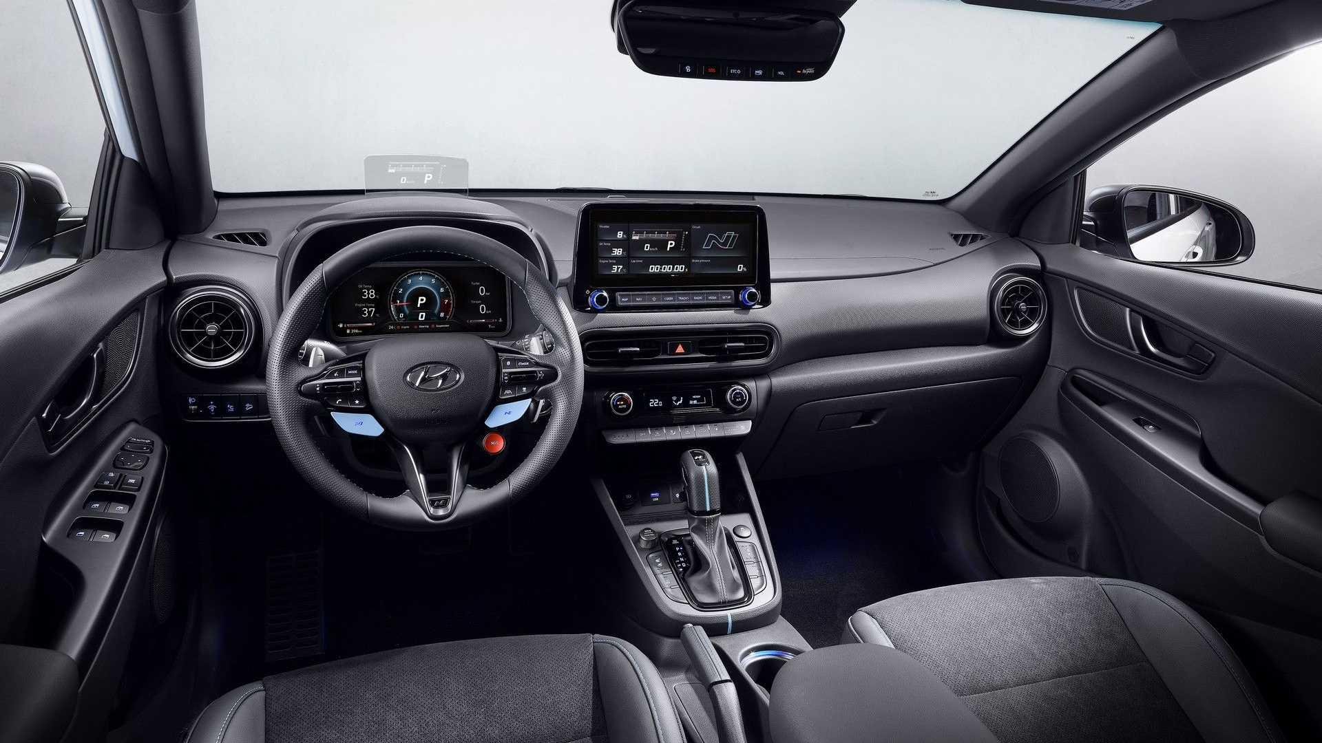 Hyundai Kona N 2022 года салон
